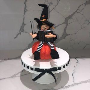 Annalee Halloween 🎃 Witch on Pumpkin